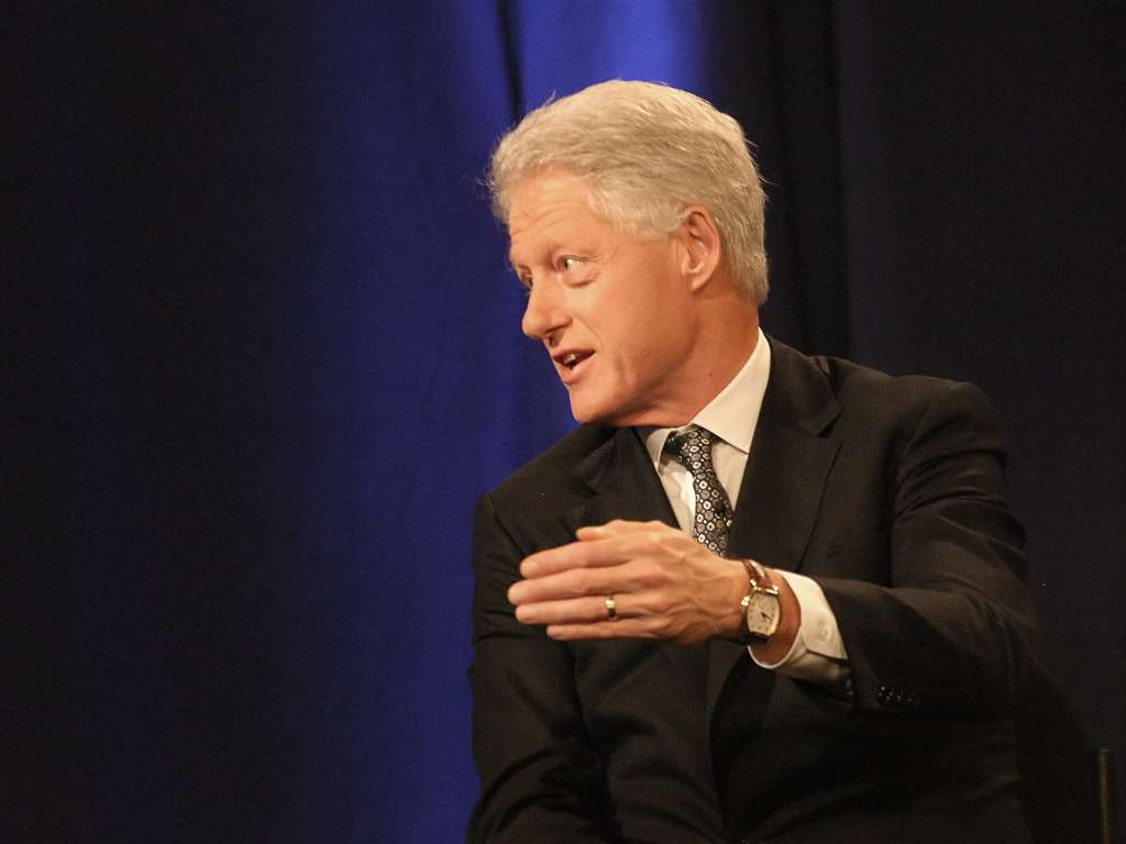 Игровой автомат В букмекерской конторе можно сделать ставку на имя внука Билла Клинтона